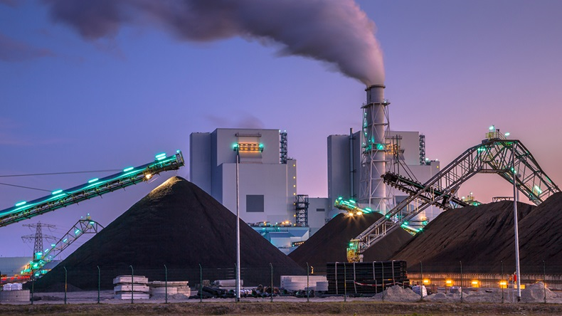 As power plants transition from burning coal to using cleaner technologies, the policies behind these changes should consider health in addition to climate change.  Credit: Rudmer Zwerver/Shutterstock.com